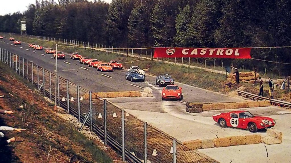 25 Aprile 1965 La Ferrari Inaugura La 1000 Km Di Monza