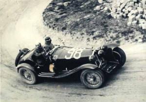 8-9 Aprile 1933- Mille Miglia un passaggio in curva su Alfa 2300 8 cilindri