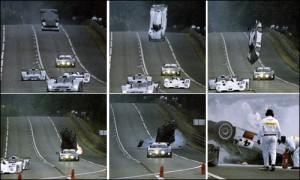 Uno dei due voli di Mark Webber con la Mercedes CLK durante le prove della 24 Ore di Le Mans del 1999.