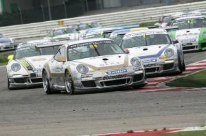 La partenza della gara 2 della Carrera Cup a Misano.
