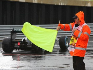 Silverstone-circuit-yellow-flag