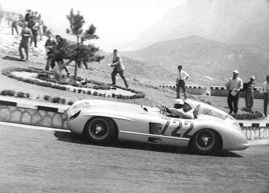Stirling-Moss-Mercedes-300-SLR-1000Miglia_1955_5