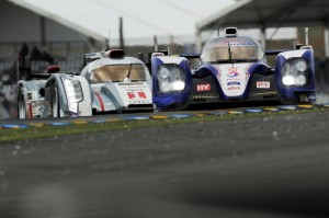 La 24 Ore di Le Mans 2013 è vissuta sul duello ravvicinato tra le due Toyota TS 030 Hybrid e le tre Audi R18 e-tron quattro.
