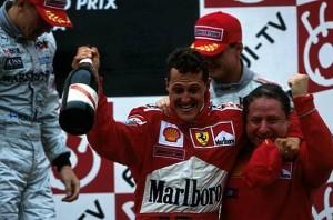 La gioia di Michael Schumacher per la conquista del titolo a Suzuka nel 2000.