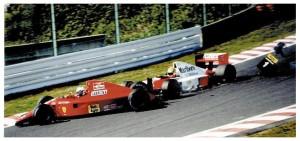 Lo scontro tra Senna e Prost al via dell'edizione del 1990