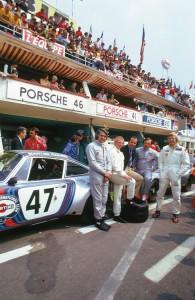Il team Porsche alla 24 Ore di Le Mans del 1974.