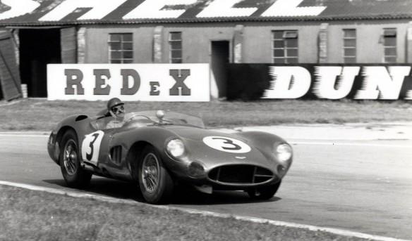 Aston-Martin-DBR1_12mem