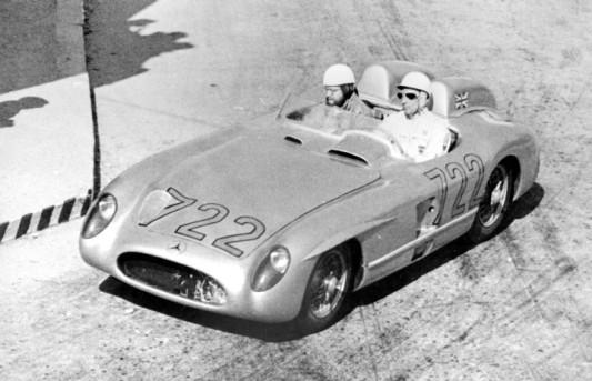Stirling-Moss-Mercedes-300-SLR-1000Miglia_1955_1