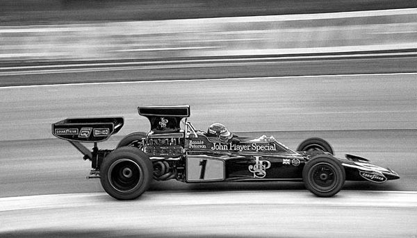 Ronnie Peterson_ Lotus 72E_600x