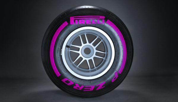 Nuova sceltra Ultrasoft tra le gomme Pirelli