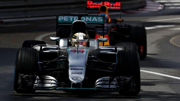 F1 gp montecarlo hamilton ottiene la prima vittoria for Garage mercedes monaco