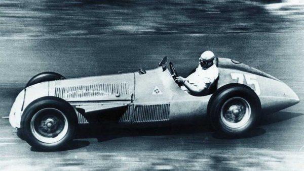 1951-fangio_alfa159