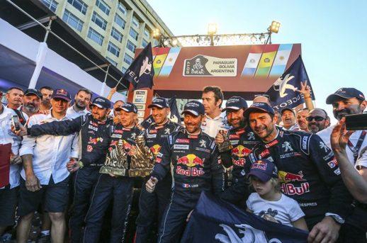 I tre equipaggi Peugeot che hanno monopolizzato il podio della Dakar 2017