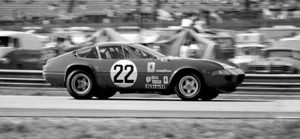 - La 365 GTB4 Competizione di Posey/Adamowicz in azione. - L'auto era iscritta dalla Nart.