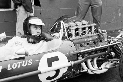 Jim Clark in his Lotus 49-Ford Cosworth DFV at the USGP of 1967 at Watkins Glen.