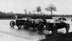 1_autodromo-di-monza-archivio-storico-automobile-club-milano_2_600x
